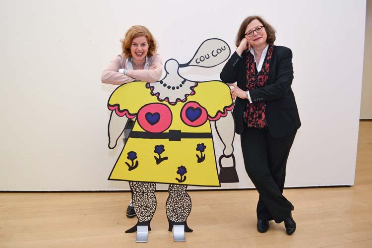 Dr. Jutta Moster-Hoos und Dr. Sabine Siebel laden zur Plakat-Ausstellung von Niki de Saint Phalle und Jean Tinguely in das Oldenburger Horst-Janssen-Museum ein.