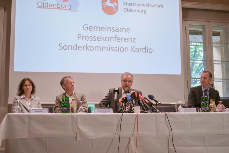 Polizei und Staatsanwaltschaft haben heute im Rahmen einer Pressekonferenz in Oldenburg im Fall des bereits verurteilten Krankenpflegers Niels H. neueste Ermittlungsergebnisse bekanntgegeben.