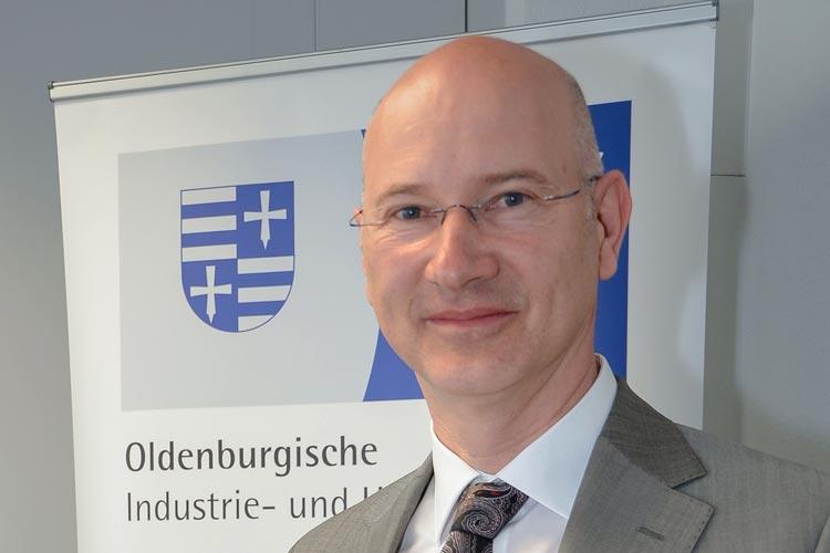 Dr. Thomas Hildebrandt informiert über den regionalen Ausbildungsmarkt im Bezirk der Oldenburgischen Industrie- und Handelskammer.
