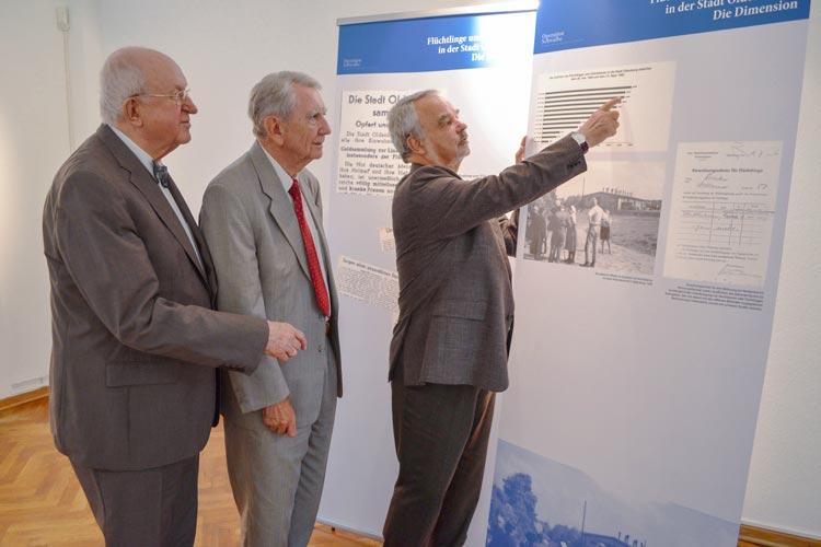 Thomas Kossendey, Horst Milde und Ulrich Minke stellten die Ausstellung Aktion Schwalbe im Oldenburger Stadtmuseum vor. title=