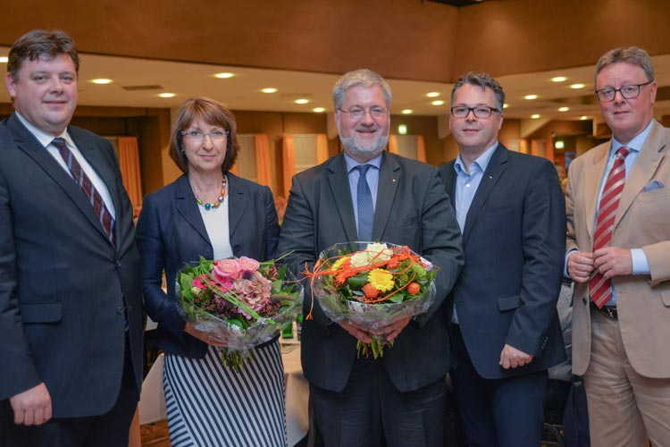 Jens Nacke, Barbara Woltmann, Stephan Albani, Michael Eggers und Gastredner Michael Grosse Brömer nach der Wahl des Bundestagskandidaten im Spohler Krug.