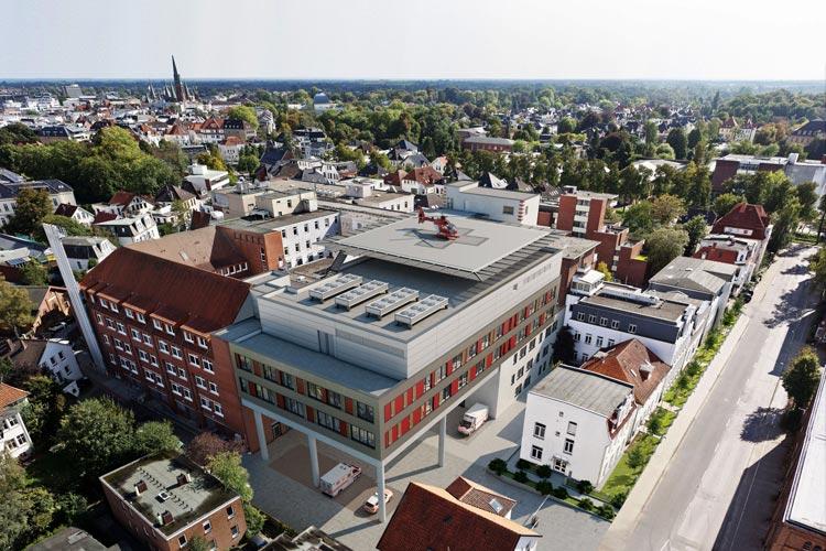 Das Evangelische Krankenhaus in Oldenburg soll um einen neuen sechsstöckigen Trakt – hier auf Stützen – erweitert werden.