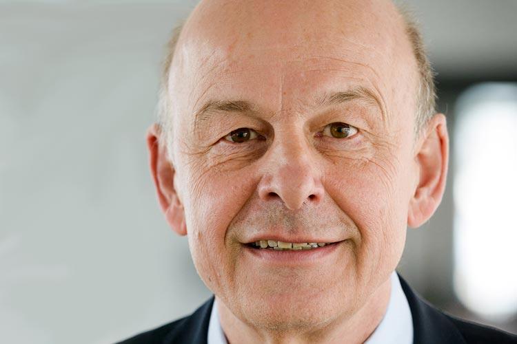 Im Alter von 64 Jahren ist der Informatiker Prof. Dr. Dr. h. c. Hans-Jürgen Appelrath nach schwerer Krankheit am 5. August verstorben.