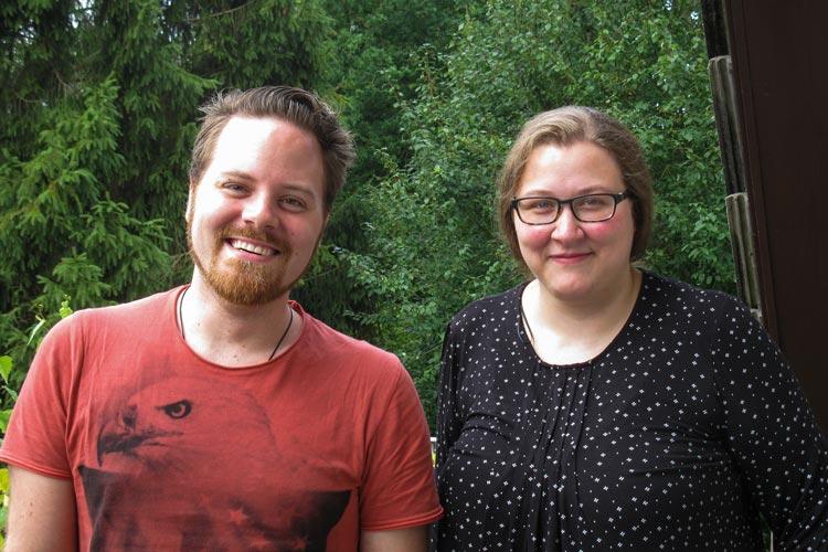 Philipp Stolle und Katharina Stolle entwickeln zusammen mit Flüchtlingen ein Kochbuch.