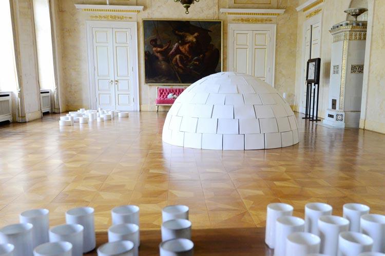 Die Künstlerin Carolin Wachter stellt im Oldenburger Schloss aus.