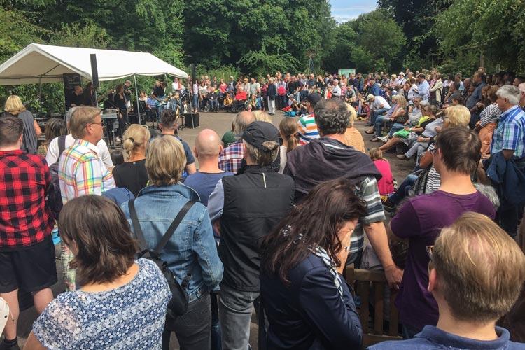 Rund 5000 Menschen zog es zum Festival Musik der Gärten in den Botanischen Garten Oldenburg.