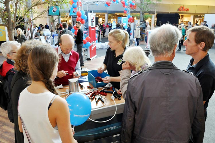 Der Tag des Handwerks bezieht die Besucher in Oldenburg aktiv mit ein.