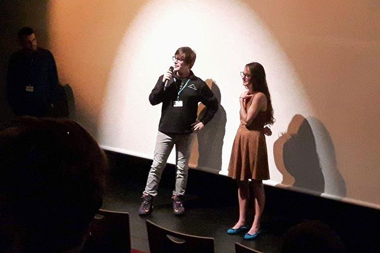 Regisseur Robert G. Putka und Casey-Darstellerin Eilis Cahill haben in Oldenburg Mad vorgestellt.
