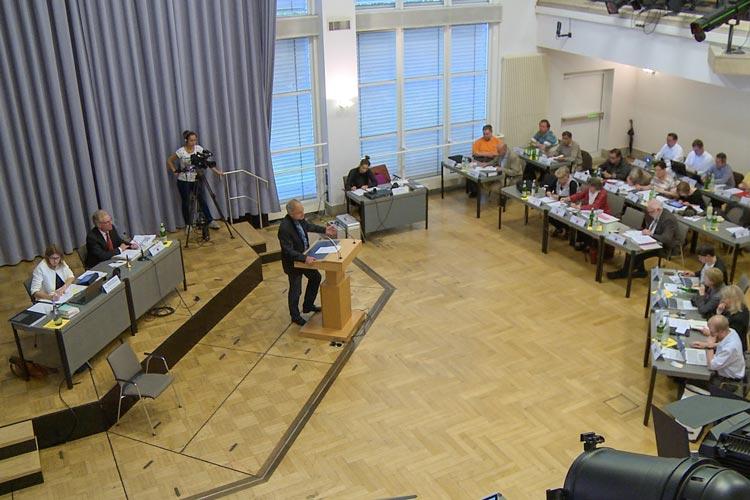 Auf der letzten Sitzung der zum 31. Oktober endenden Periode will der Oldenburger Rat die Bezüge der Ratsmitglieder erhöhen.