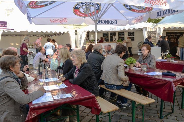 Die Vielfalt des Weines steht wieder auf dem Programm des Oldenburger Weinfestes, das vom 8. bis zum 11. September auf dem Schlossplatz stattfindet.