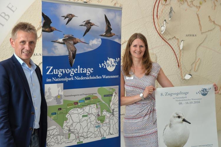Peter Südbeck und Christine Barilaro stellten heute das Programm der Zugvogeltage 2016 vor.