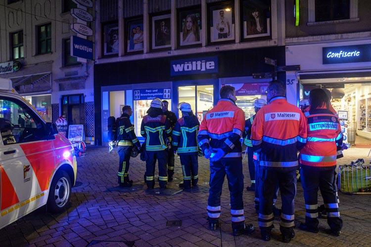Die Einsatzkräfte der Feuerwehren und der Rettungsdienste wurden heute Abend zu einem Notfall in die Oldenburger Innenstadt gerufen.