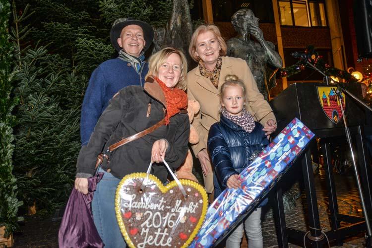 Bürgermeisterin Petra Averbeck und Lamberti-Markt Engel Jette haben heute den traditionellen Oldenburger Lamberti-Markt eröffnet.