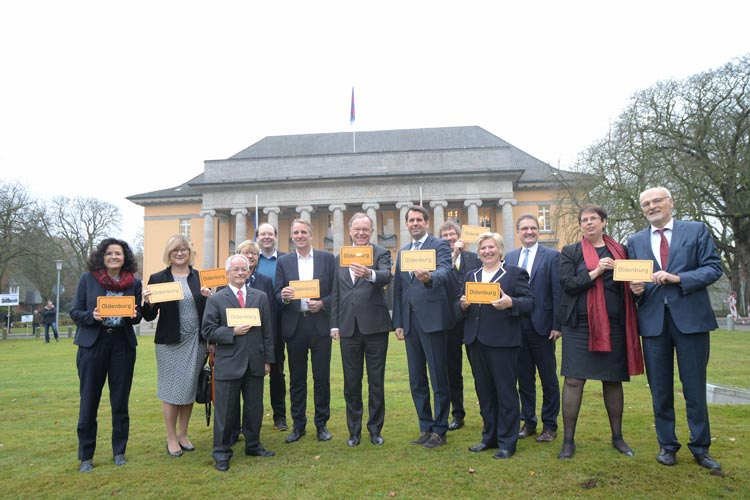 Vor dem Festakt tagte das Kabinett unter der Leitung von Ministerpräsident Stephan Weil in Oldenburg.