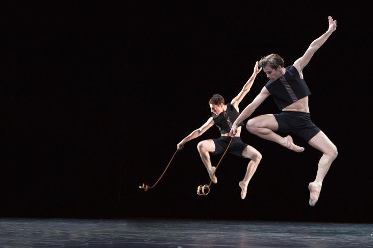 Begegnen ohne sich zu sehen vom vierteiligen Ballettabend Schläpfer/Jully.