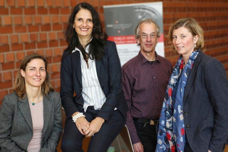 Karina Becker, Frauke Koppelin, Harald Büsing und Elke Ahlers informierten auf einer Tagung in Oldenburg über psychische Belastungen in der Arbeitswelt.