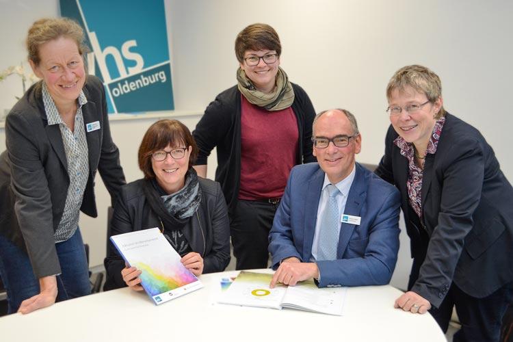 Im Rahmen des Kommunalen Aktionsplans Inklusion hat die Stadt Oldenburg mit der Herausgabe eines Lehrplans bundesweit ein Signal gesetzt.