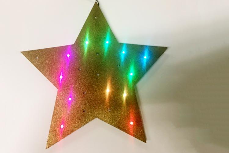 Am Sonntagnachmittag können im Oldenburger Mainframe leuchtende Sterne mit farbig blinkenden LEDs gebaut werden.