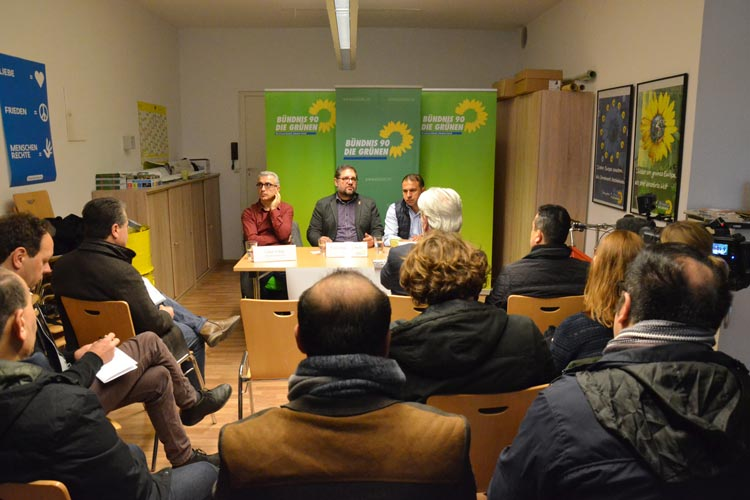 Cahit Tolan, Peter Meiwald und Ali Atalan informierten in Oldenburg über die Situation der Opposition in der Türkei.