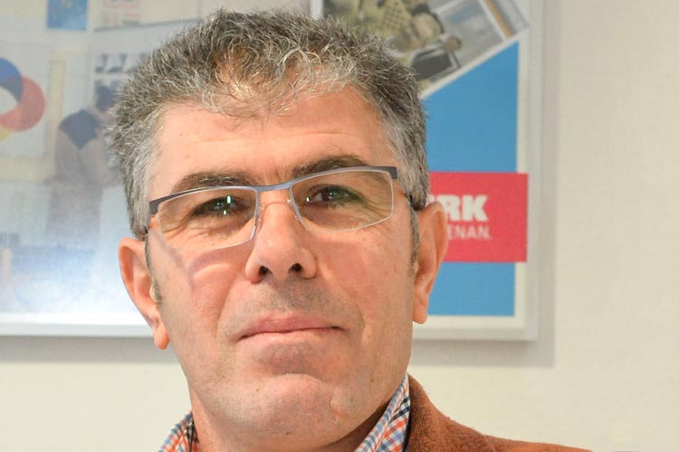 Hussein Kerri ist Integrationsberater bei der Handwerkskammer Oldenburg. Er kümmert sich um die Ausbildung für Flüchtlinge und Asylbewerber.