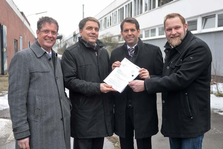 Niedersachsens Wirtschaftsminister Olaf Lies hat einen Förderbescheid für MediTech in Oldenburg-Kreyenbrück über 3,4 Millionen Euro übergeben.