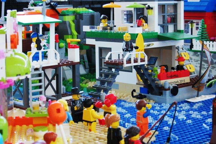 Am 1. und 2. April findet die Bricks am Meer in der Wandelhalle Bad Zwischenahn statt. 25 Aussteller zeigen ihre Lego-Bauten.