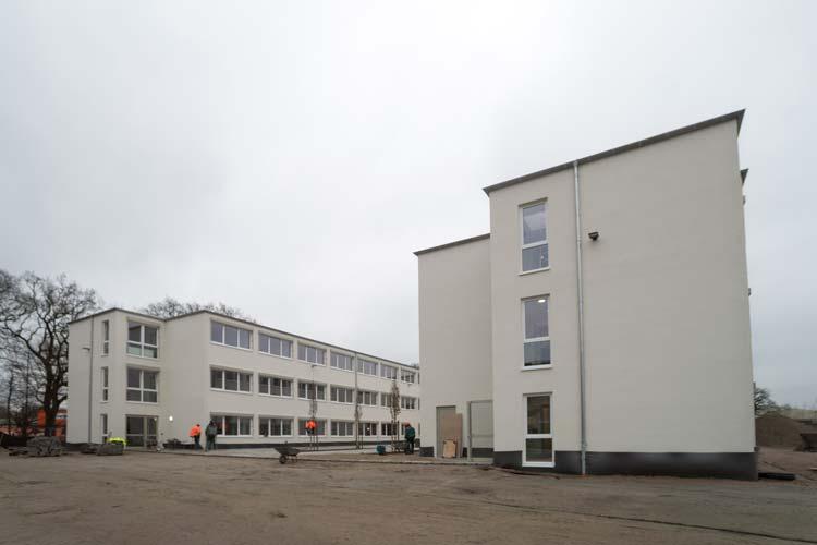In das neue H-förmige Gebäude des Oldenburger Finanzamtes werden rund 300 Beschäftigte einziehen.