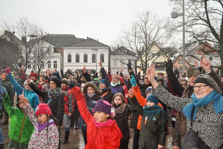 Oldenburg nimmt in diesem Jahr zum zweiten Mal an der Aktion One Billion Rising teil. Sie findet auf dem Schlossplatz statt.