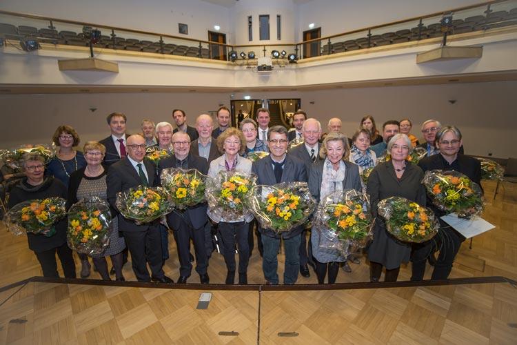 Oberbürgermeister Jürgen Krogmann würdigte das ehrenamtliche Engagement der ausgeschiedenen Ratsfrauen und -herren in Oldenburg.