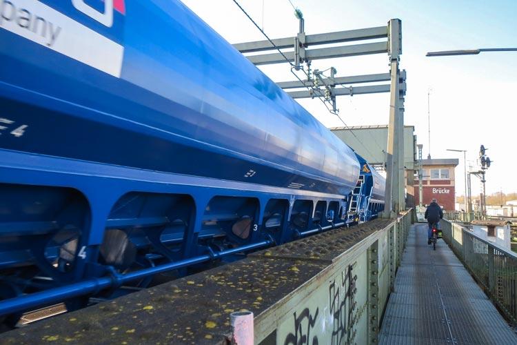 Die Oldenburger Politik will sich gegen den Ausbau der Bahnstrecke und für eine Umfahrung aussprechen.