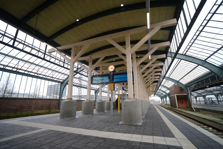 Bahn und Stadt stellen erste Ergebnisse zur Erhaltung der Gleishalle vor. Umfangreiche Erhaltungsmaßnahmen werden nötig sein.