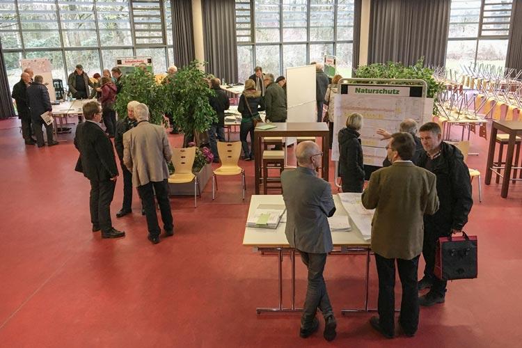Zum Thema Großprojekt Ausbaustrecke Oldenburg – Wilhelmshaven lädt die Deutsche Bahn zu einer Informationsveranstaltung ein.