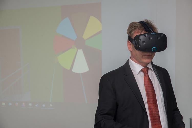 GSG-Geschäftsführer Stefan Könner ist von den Anwendungsmöglichkeiten des BIM begeistert.
