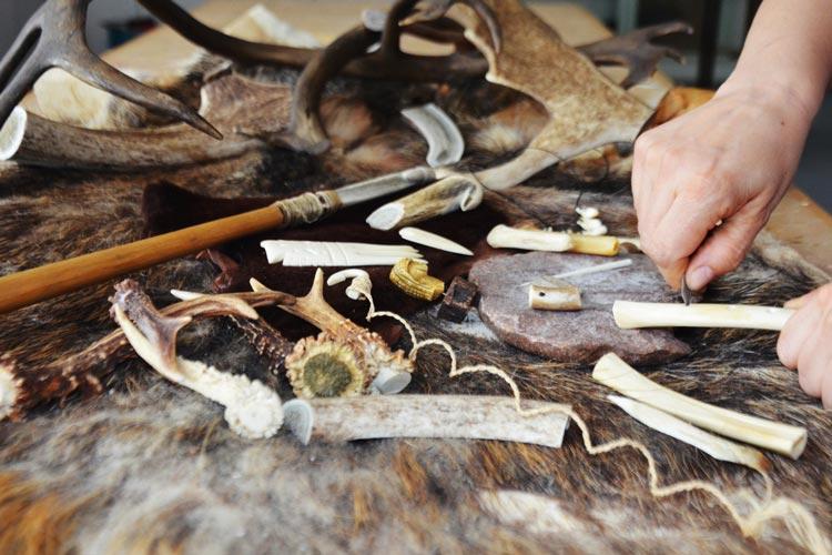 Ran an die Knochen heißt ein Workshop im Landesmuseum Natur und Mensch Oldenburg.