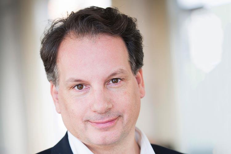 Christian Firmbach wird weitere fünf Jahre als Generalintendant das Oldenburgische Staatstheater leiten.
