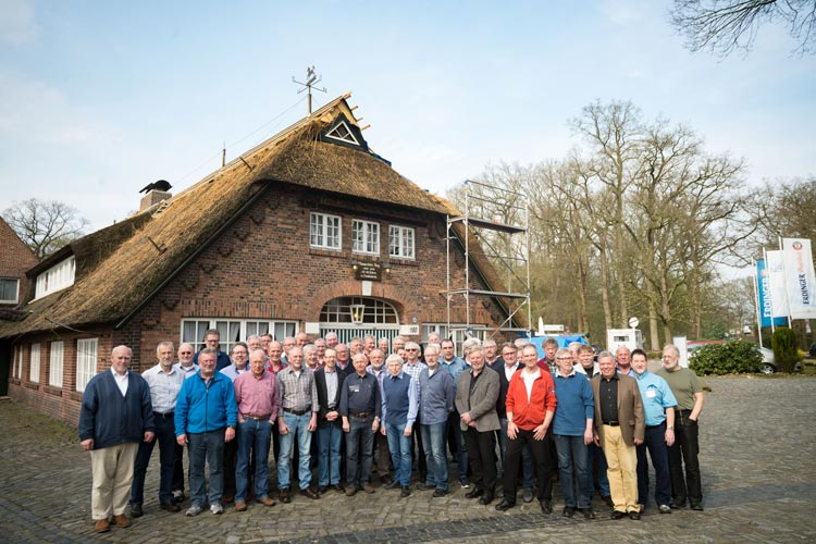 Vor 50 Jahren haben 84 Jugendliche als Fernmeldelehrlinge beim Fernmeldeamt Oldenburg begonnen. Jetzt haben sich 47 wiedergesehen.