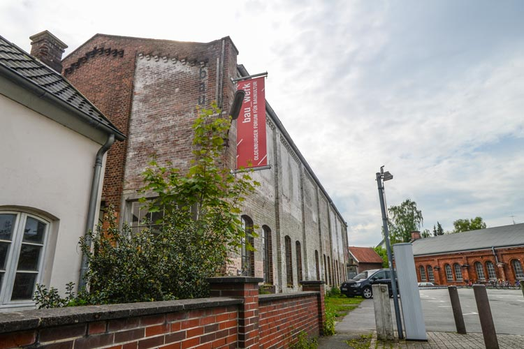 Die bau_werk Halle in Oldenburg bleibt für kulturelle Veranstaltungen geöffnet.