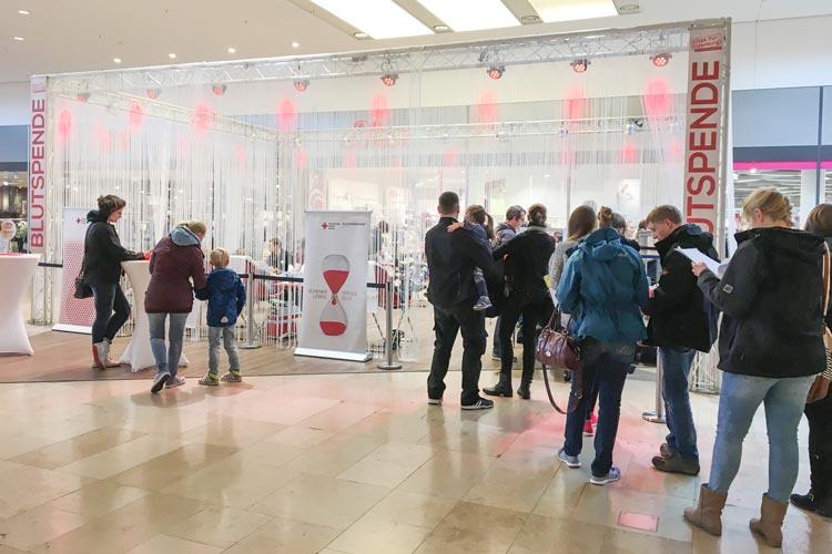 Am vergangenen Wochenende wurde im famila Einkaufsland in Wechloy eine große Blutspende- sowie Typisierungsaktion veranstaltet.