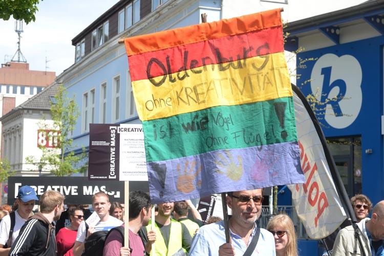 Nach der Demonstration von Kulturschaffenden kam die Forderung nach der Besetzung des vermeintlich vakanten Kulturdezernates auf.