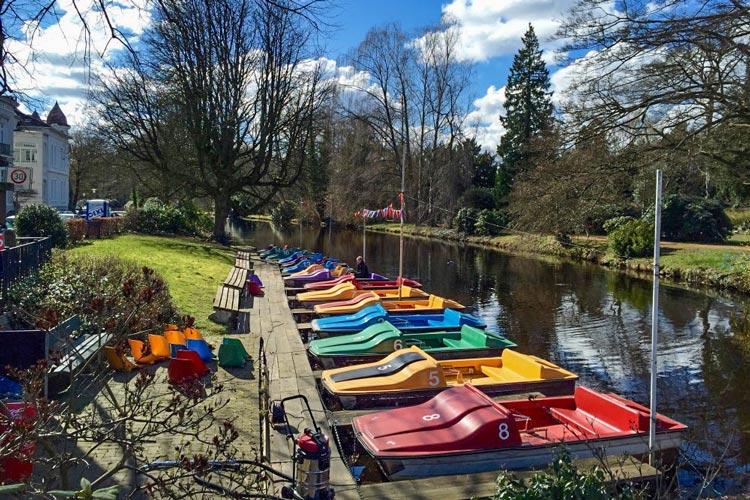 Die bunten Boote werden in diesem Jahr wohl kaum noch ins Wasser gelassen werden.
