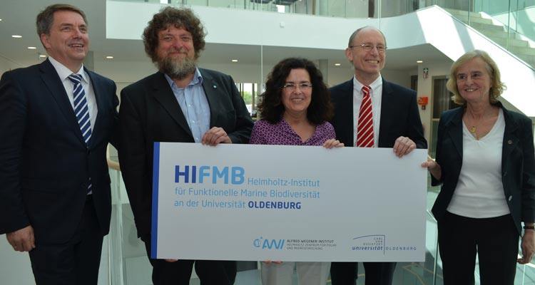 Freuen sich über die HIFMB-gründung (von links): Jürgen Krogmann, Helmut Hillebrand, Gabriele Heinen-Kljajić, Hans Michael Piper und Karin Lochte.