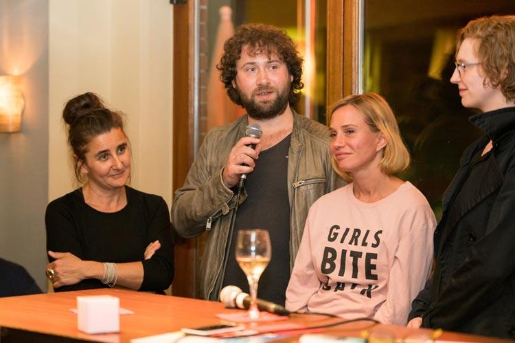 Annette Strelow, Florian Baxmeyer, Nadeschda Brennicke und Luise Wolfram.