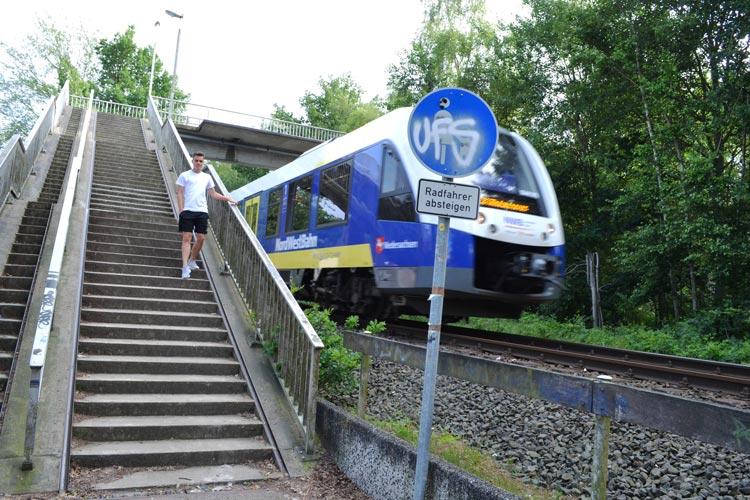 Die Fußgängerbrücke, die Krusenbusch und Bümmerstede verbindet, soll durch einen Tunnel ersetzt werden.