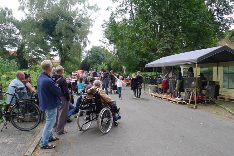 Das jährliche Straßenfest in der Breslauer Straße bietet Musik und ein abwechslungsreiches Programm für Jung und Alt.