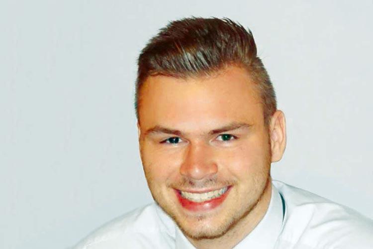 Der 20-jährige Peter kämpft gegen den Blutkrebs an.