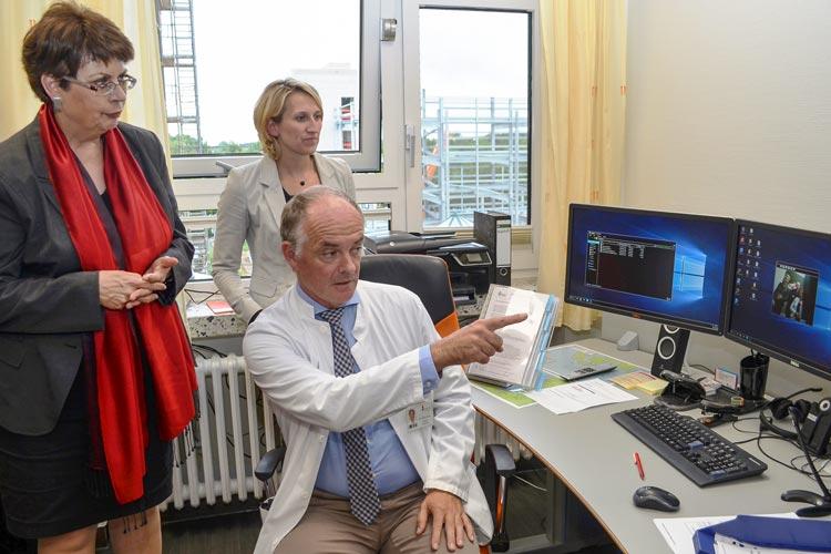 Das Projekt Telepflege soll die pflegerische und medizinische Versorgung verbessern. Das Projekt wurde von der VITA-Akademie initiiert.