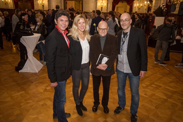 Empfang im Schloss: Lou Diamond Phillips, Christine Nickel, Ed Pressman und Torsten Neumann.