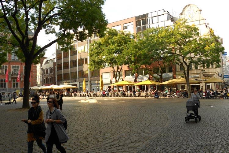So sieht es aus: die Gebäudezeile am Oldenburger Rathausmarkt.