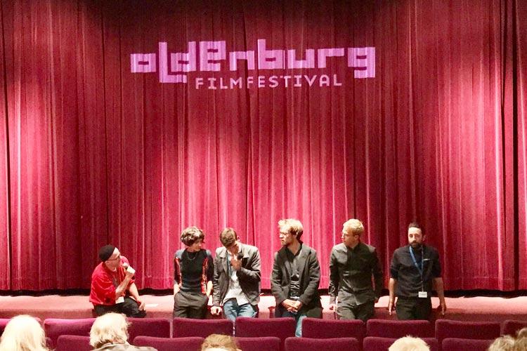 Das Besondere des Filmfestes Oldenburg ist die Beteiligung von Regisseuren, Produzenten und Schauspielern – wie hier bei Morgen – , die die Filme dem Publikum vorstellen.