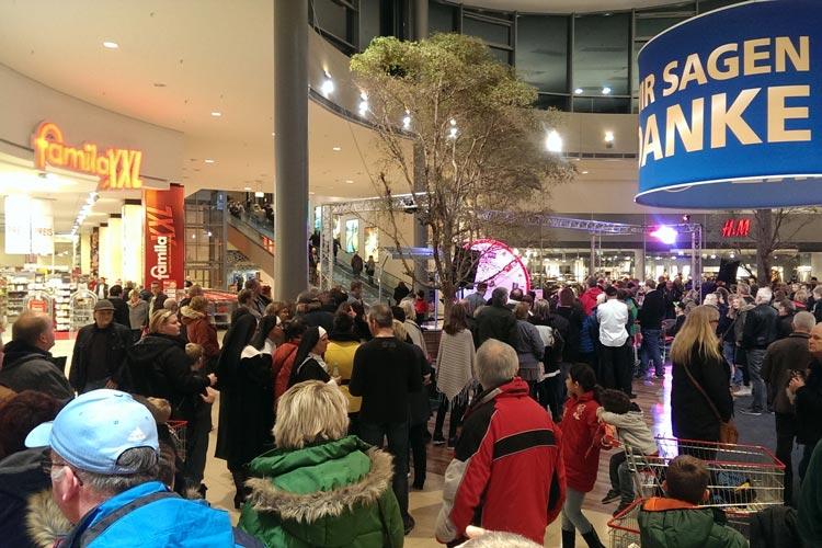 Das famila Einkaufsland Wechloy veranstaltet eine Lange Einkaufsnacht.